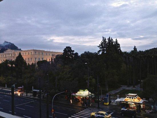 Amalia Hotel: Από το ΑΜΑΛΙΑ στο Σύνταγμα: Μόνο η θέση αξίζει!