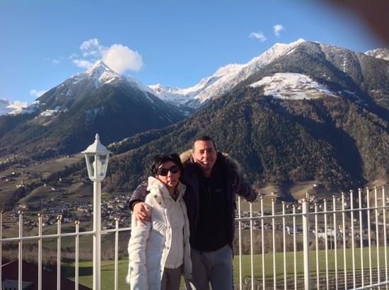 Wellnesshotel Grafenstein: Vista panoramica dal terrazzo sulla vallata di Merano