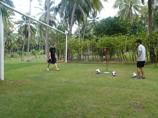 Samui Football Golf Club: December 2013
