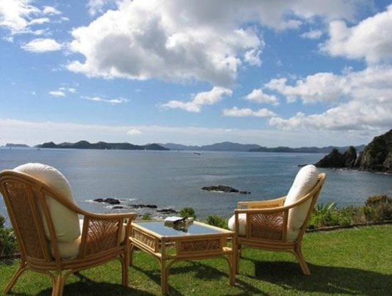 Villa du Fresne : The view out to the Bay of Islands