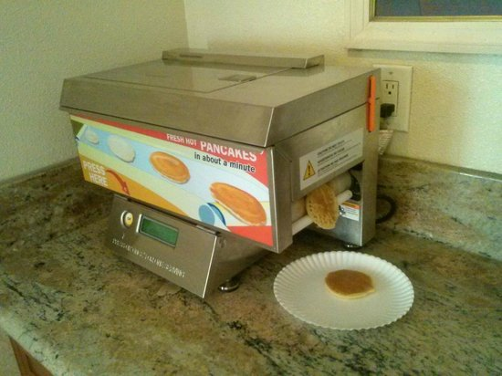 Rodeway Inn & Suites: last few pancakes in machine