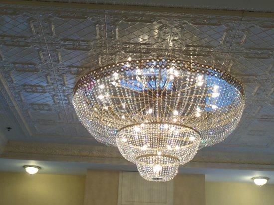 Ramada Gaslamp Convention Center: Beautiful decor in the lobby area