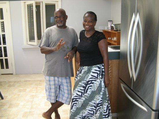 Casabella Bed & Breakfast: Odessa et Ray nos hôtes