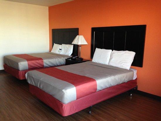 Motel 6 Leesville: double bedroom