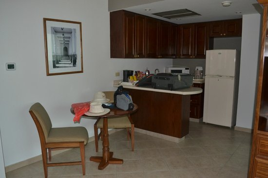 Crowne Plaza Panama: Cocina suite