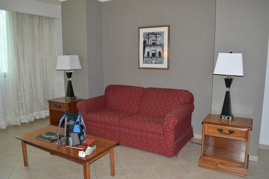Crowne Plaza Panama: salón habitación