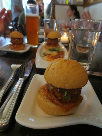 The Little Owl: Meatball Sliders - AWESOME on a bun