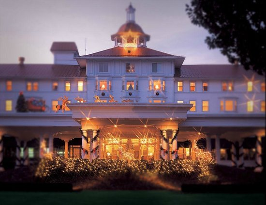 The Carolina Hotel - Pinehurst Resort: Approach to The Carolina-Pinehurst, NC