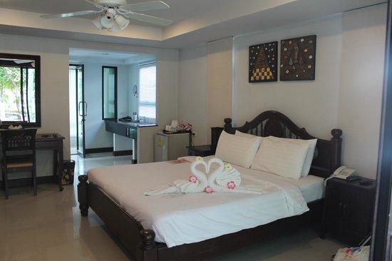 Rayaburi Resort (Racha Island): Our hotel room