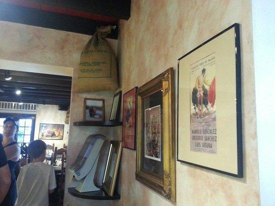 Cafe del Hidalgo: Inside decor