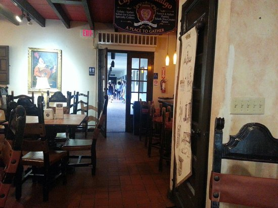 Cafe del Hidalgo: Outside to the restrooms