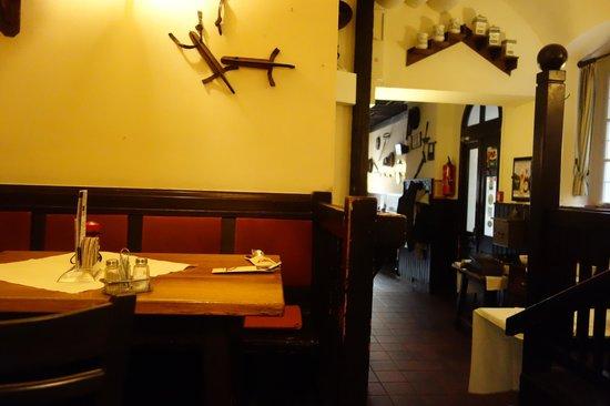 Weissgerber Stube im Suennhof : вид на вход в ресторан