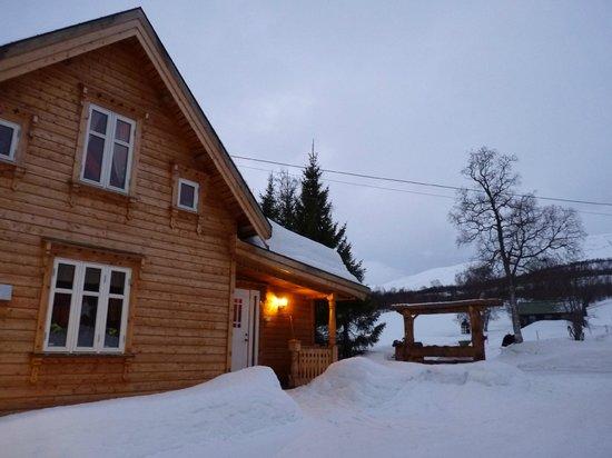 Holemark Gard: le chalet sous la neige