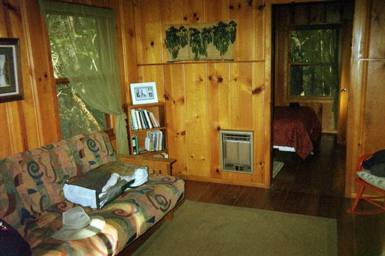 Sacred Springs Retreat and B&B: Typical Cabin