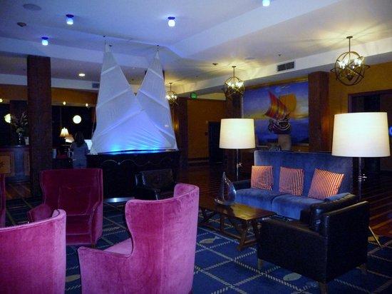 Argonaut Hotel, A Noble House Hotel: Lobbyn