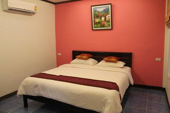 Lanta Pavilion Resort: Our bungalow