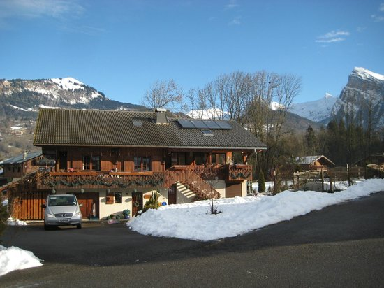 Chalet Paula: Front View