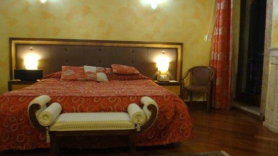 Locanda Ippopotamo: Big bed