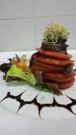 Restaurante Juan Abril: Milhojas de tomate con anchoas