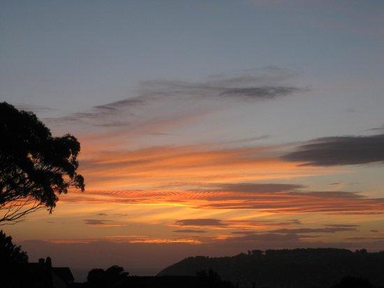 Cityview B&B Homestay: Sunset from balcony