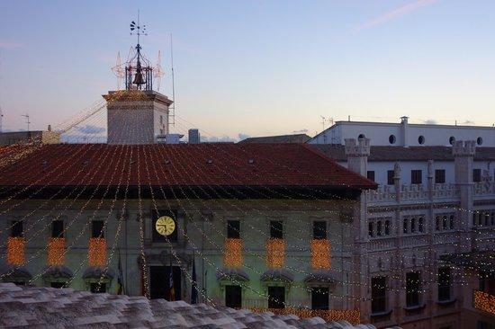Hotel Cort : Blick auf das Rathaus
