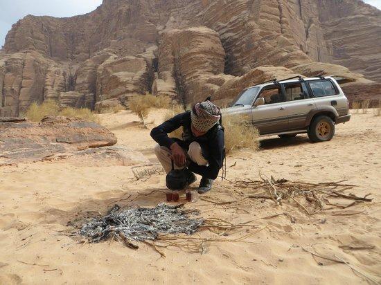 Rum Stars Camp & Bedouin Adventures Group: Salem making the tea