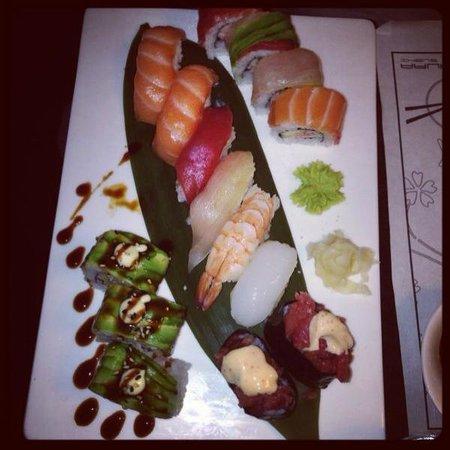 Sakura Sushi: SUHI MIX