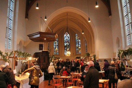 Jacobuskerk: Inside during Christmas fair