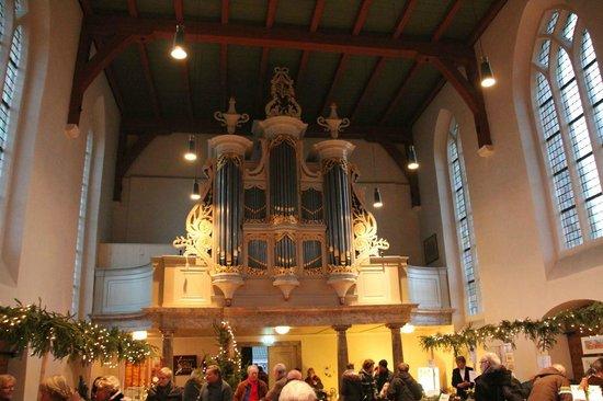 Jacobuskerk: Inside, the organ, during Christmas fair