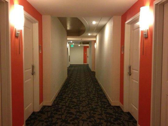 Hotel Indigo San Diego Gaslamp Quarter: Hallway