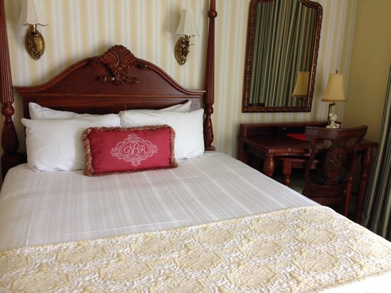 Disney's BoardWalk Inn: The bedding is comfortable and clean-looking