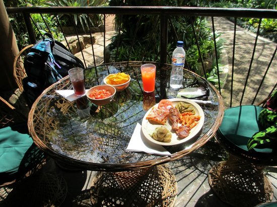 La Paz Waterfall Gardens: Buffet Lunch