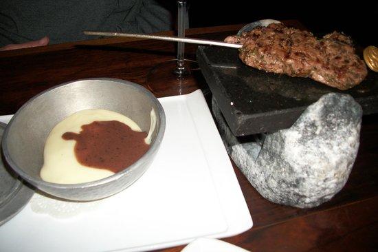 שגב: The presentation of the steak was gorgeous