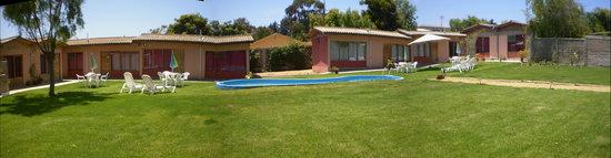 San Antonio, Chile: Panorama piscina y jardines