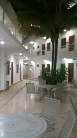 Terracaribe Hotel: inner courtyard and rooms
