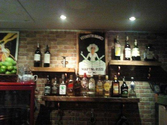 Bella Italia Restaurant : The bar