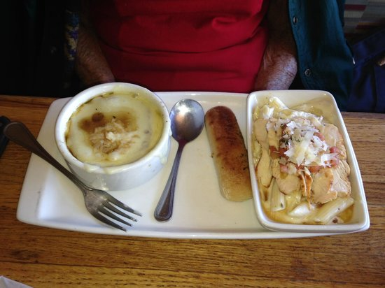 Applebee's : French Onion Soup and Chicken Penne