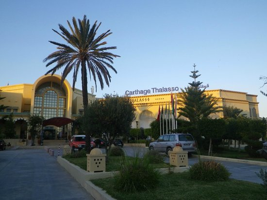 Carthage Thalasso : Front of hotel