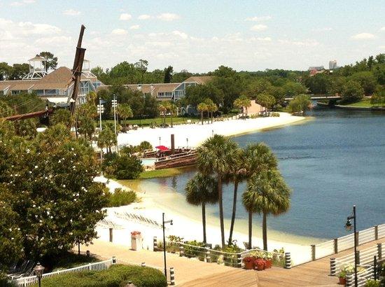 Disney's Yacht Club Resort: View of the beach