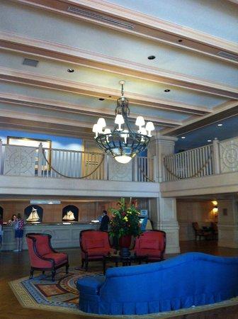 Disney's Yacht Club Resort: Lobby