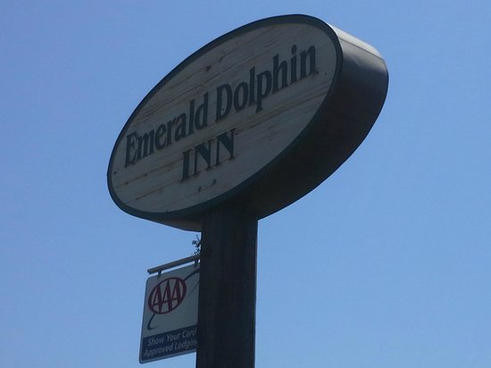 Emerald Dolphin Inn