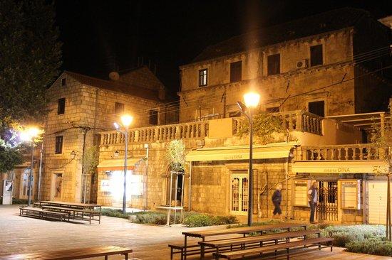 Villa Andro: View of buildings in Cavtat at night