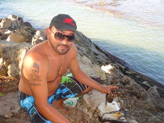 Playa Santa Teresa: Cocinando Langosta...
