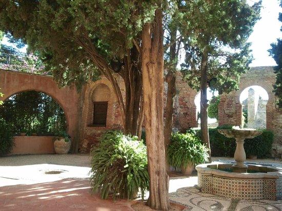 Hotel Castillo de Santa Catalina: Nice patio