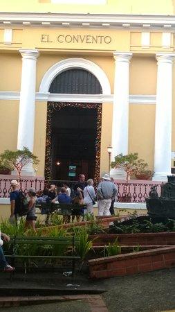Hotel El Convento: Hotel Entrance
