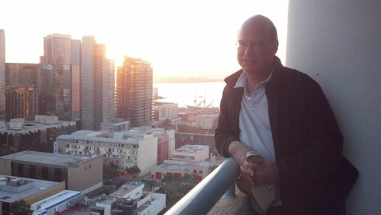 Doubletree Hotel San Diego Downtown : View of the bay from 19th floor balcony