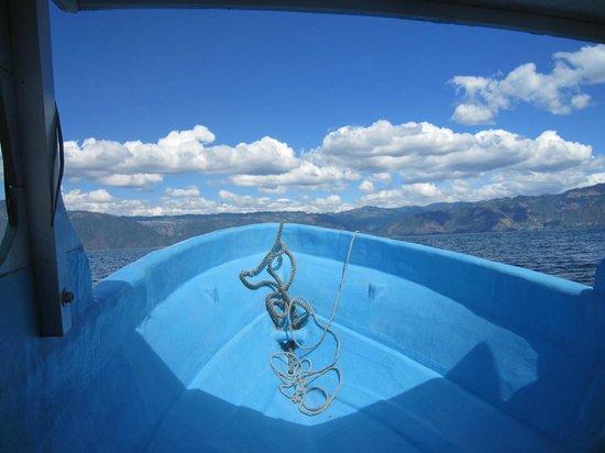 Lake Villa Guatemala: Boat trip from Lake Villa to another village