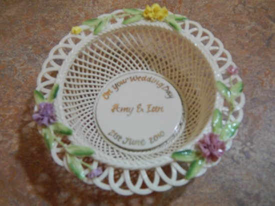 Belleek Pottery & Visitor Centre : Custom-made wedding gift