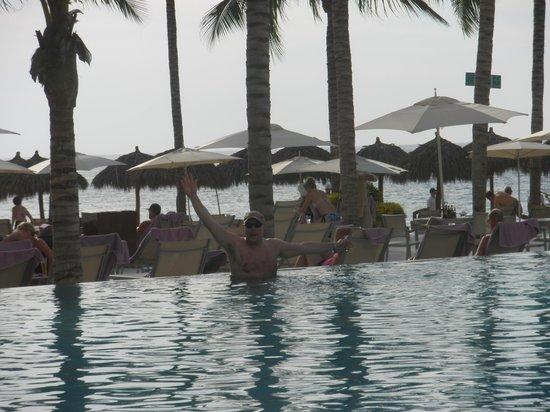 Secrets Vallarta Bay Resort & Spa: View from pool area