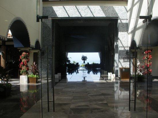 Secrets Vallarta Bay Resort & Spa: Secrets main floor area